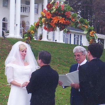 A Georgian Manner Wedding on the Front Lawn
